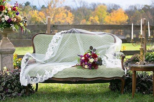 01_DeSau-Photography-Styled-Engagement-Shoot.jpg