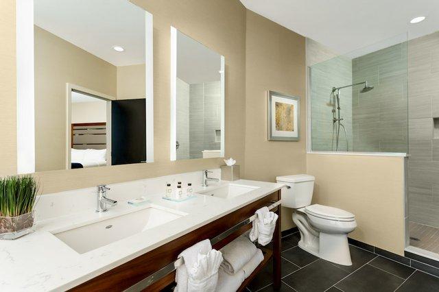 2016 CT Renovated Super Suite Bathroom.jpg